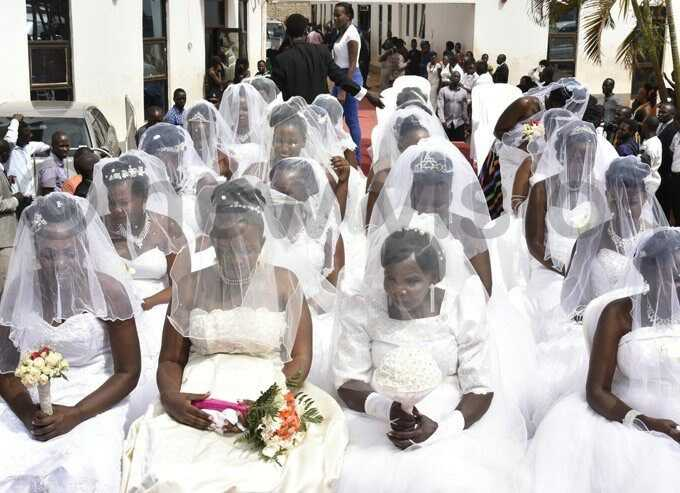 200 BRIDES GET MARRIED IN A MASS UGANDAN WEDDING