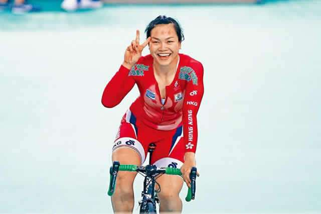 MEET FEMALE CYCLIST, HUANG SHUANG WHO RODE FROM MOROCCO TO LAGOS