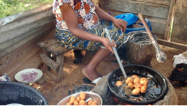READ HOW A WIDOW AND MOTHER OF FOUR STARTED HER AKARA BUSINESS WITH #3,000 AND MAKES UP TO #150,000 IN A MONTH!