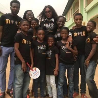 BRITISH TOP MODEL, NAOMI CAMPBELL MEETS NIGERIAN CHILDREN DANCE CREW
